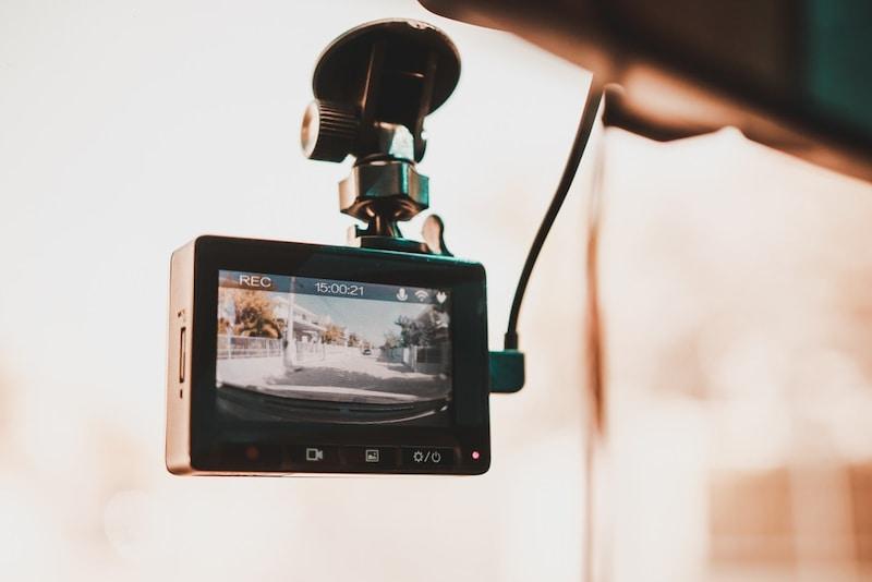 【最新】駐車監視機能付きドライブレコーダーおすすめ10選|動体検知や内臓バッテリーに注目!