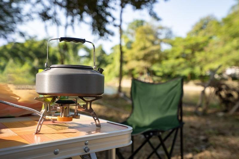 キャンプ用キッチンテーブルおすすめランキング10選|コンパクト収納&設置が簡単なものを!