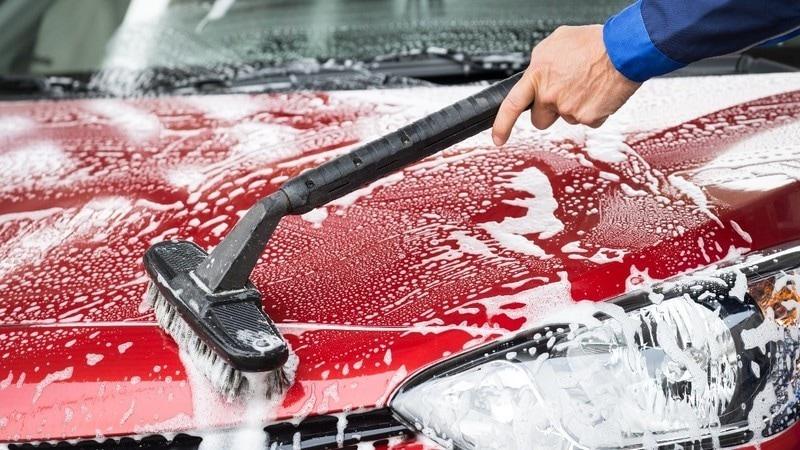洗車ブラシのおすすめ人気ランキング13選|ロングタイプや柔らかい素材のものも