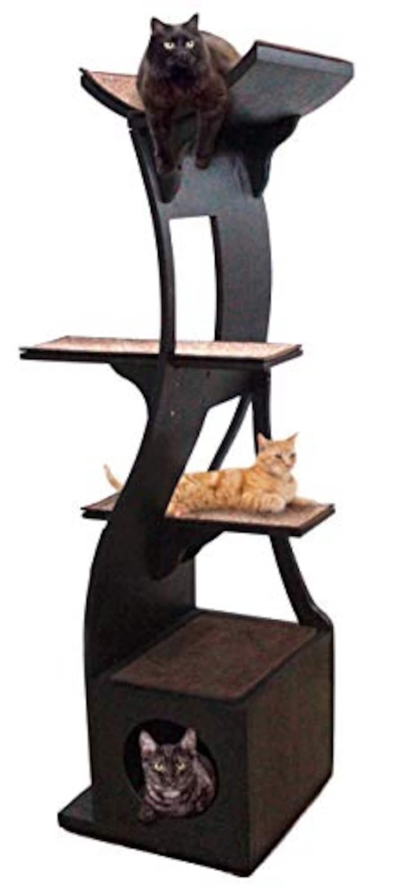 The Refined Feline(リファインドフィーライン), ロータスキャットタワー