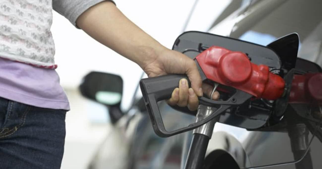 自動車関連の税金や高速料金は、なぜこうも簡単に値上げするのか?