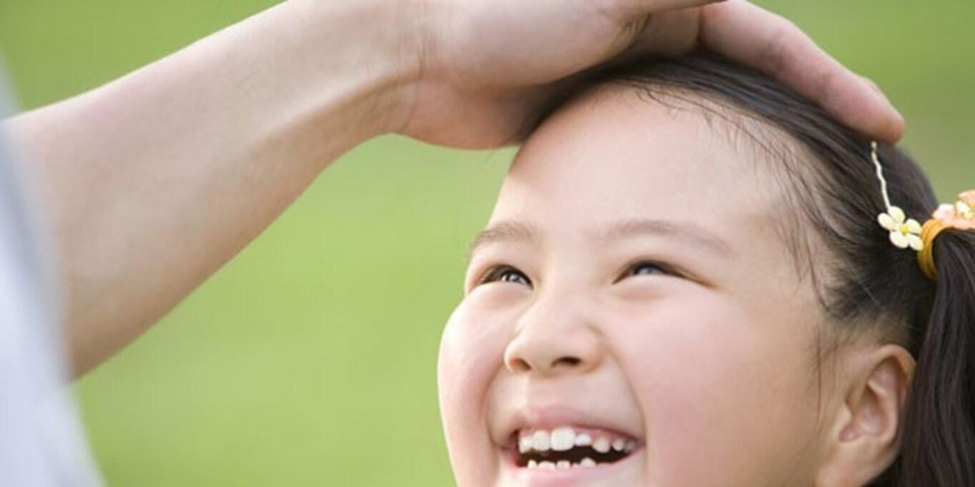 子どもを「ほめて」誘導することは正しいのか?