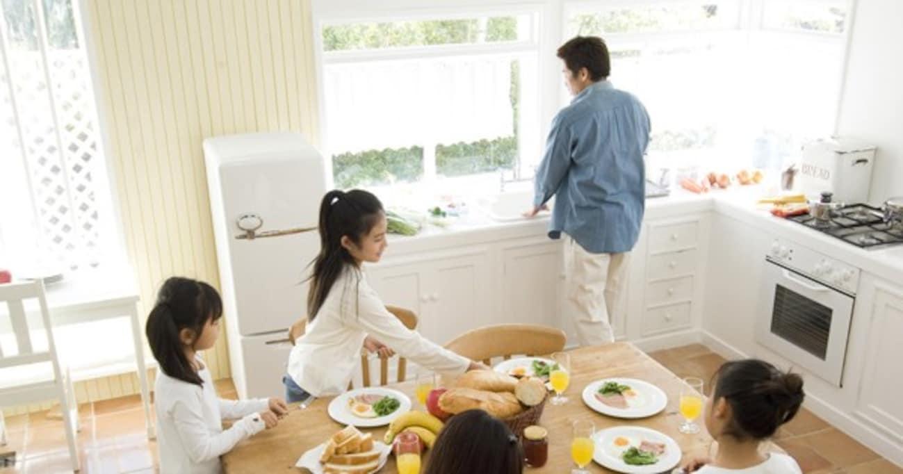 父親たちも我慢の限界! 「仕事」「家事・育児」「大黒柱」を一人でこなすのはムリ…
