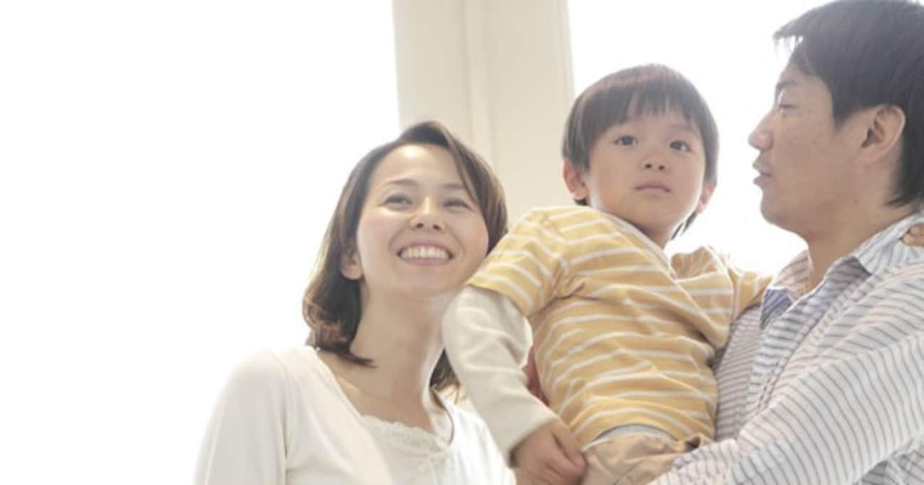 「親に抱っこしてもらう」宿題は、現役小学校教師から見るとアリかナシか?