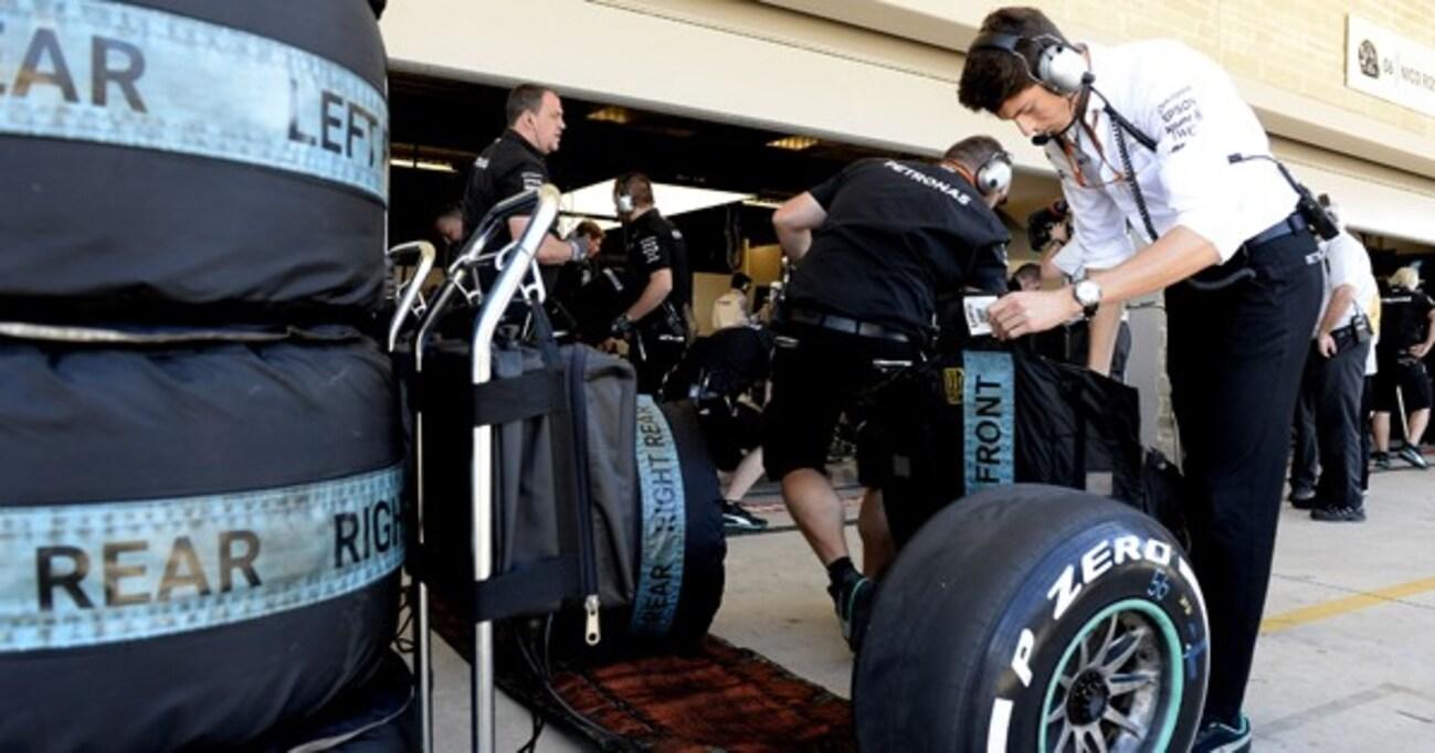 """F1マシンを""""本気の状態""""にしたいなら、タイヤを100℃まで上げないといけない"""
