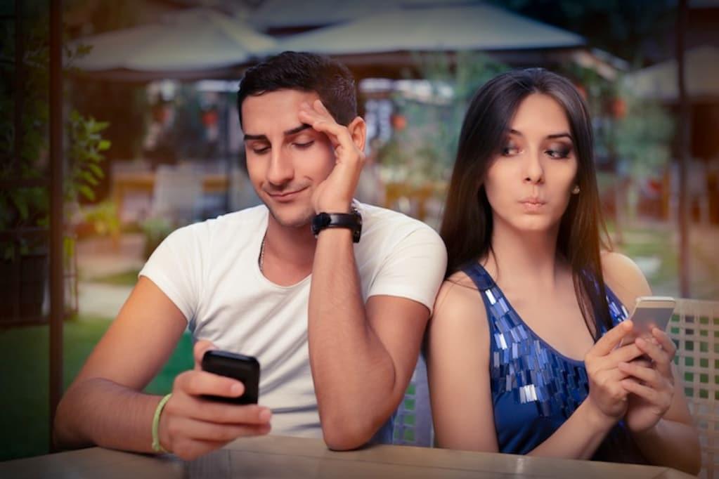 iPhoneユーザーは、Androidユーザーとはデートしない?