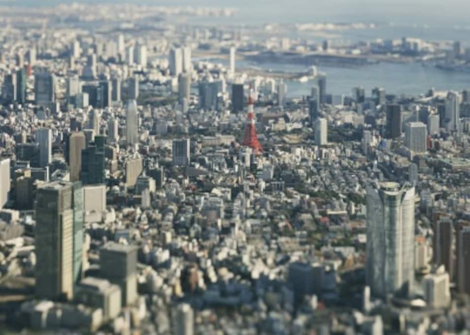 タブーを利用し唯一無二の写真を生み出す、「本城直季 TOKYO/KYOTO 1/2展」が開催。