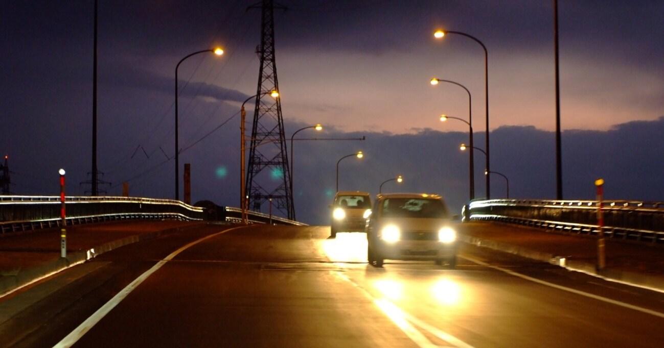 車のヘッドライト問題。欧州が編み出した「デイタイムランニングライト(DRL)」で解決するか?
