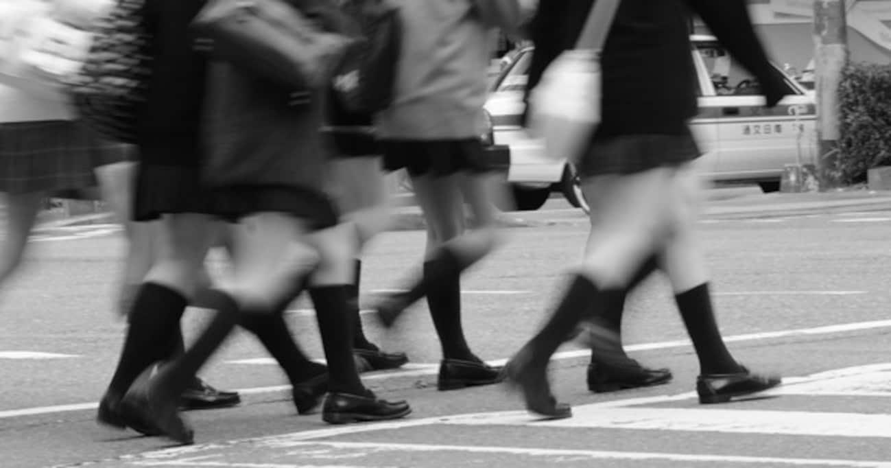 「最近の女子高生のスカート丈が長くなってきているかも」…その理由について