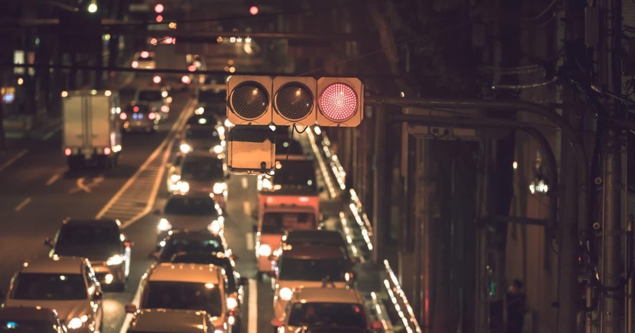 """世界屈指の""""信号大国""""日本。なぜこんなに信号が必要なのか?"""