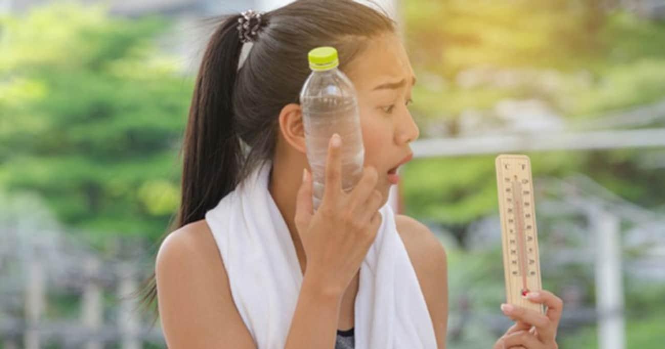 夏を元気に乗り切りたい!「ペットボトル冷灸」で熱中症&汗対策ツボ5選