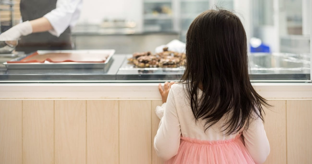 子どもが売り物のパンを素手でわしづかみ! 親の損害賠償は?