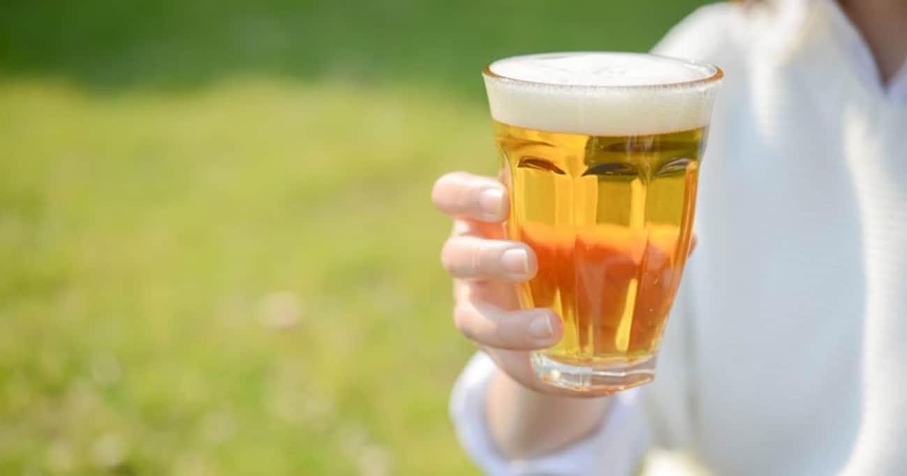 松本城公園「品格にふさわしくない」でアルコール規制…これから公共の場での飲酒はどんどん禁止される?