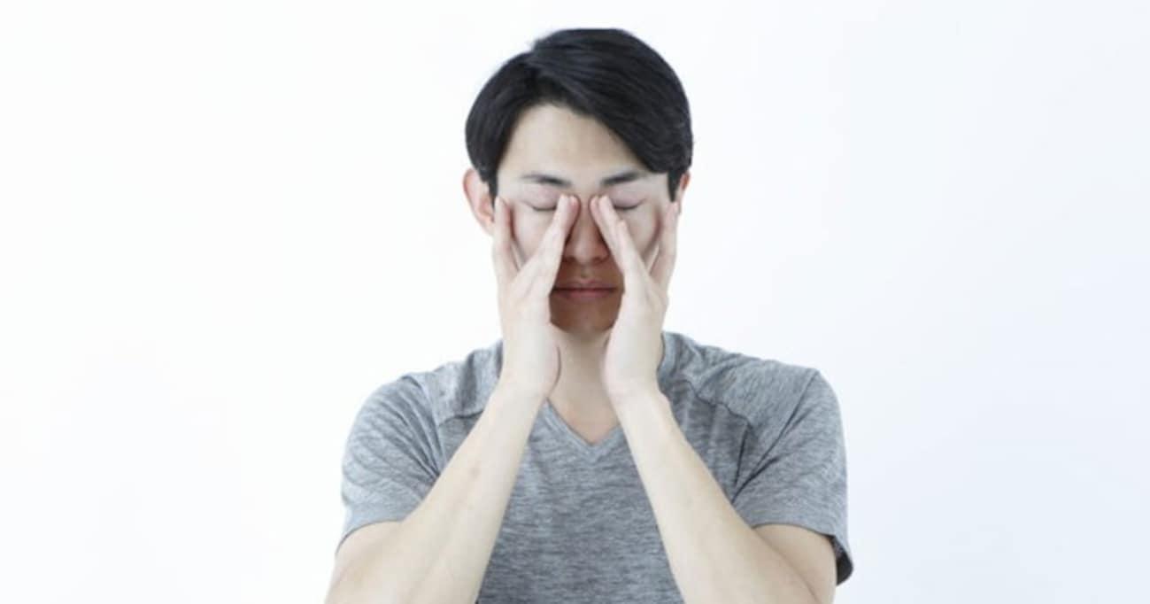 現代人は無意識のうちに「目」を酷使している……簡単マッサージで疲れ目解消すべし!