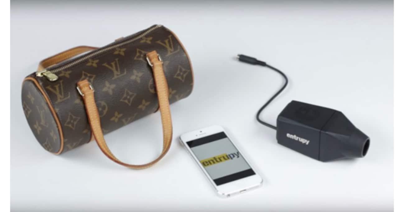 「偽ブランド品」をカメラだけで見抜ける「Entrupy」が半端ない! 小売店や質店が続々と契約中