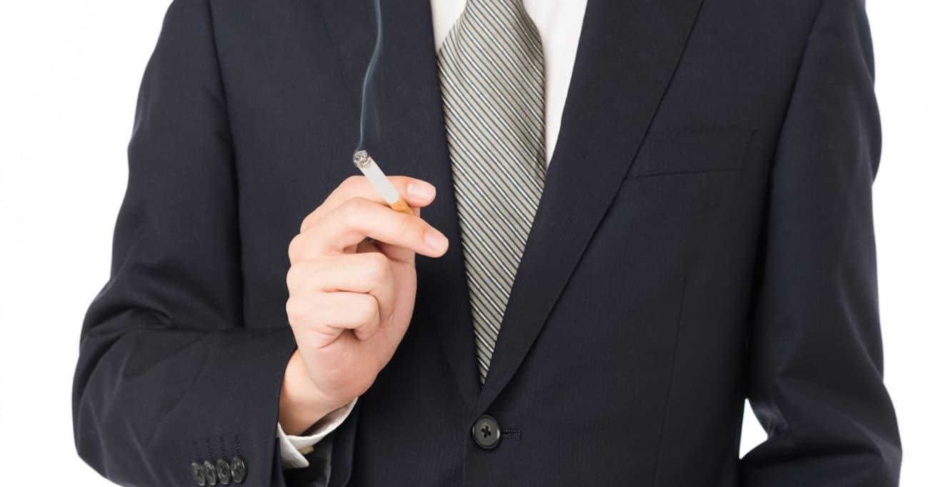 業務時間中のタバコはずるい? 賛否両論を呼んだ「スモ休」制度に労基法上の問題はないのか
