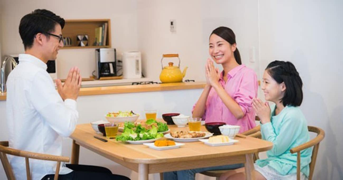 「夜ごはん」一緒に食べてる?「子どもが世界一幸せな国」の驚くほどシンプルな習慣