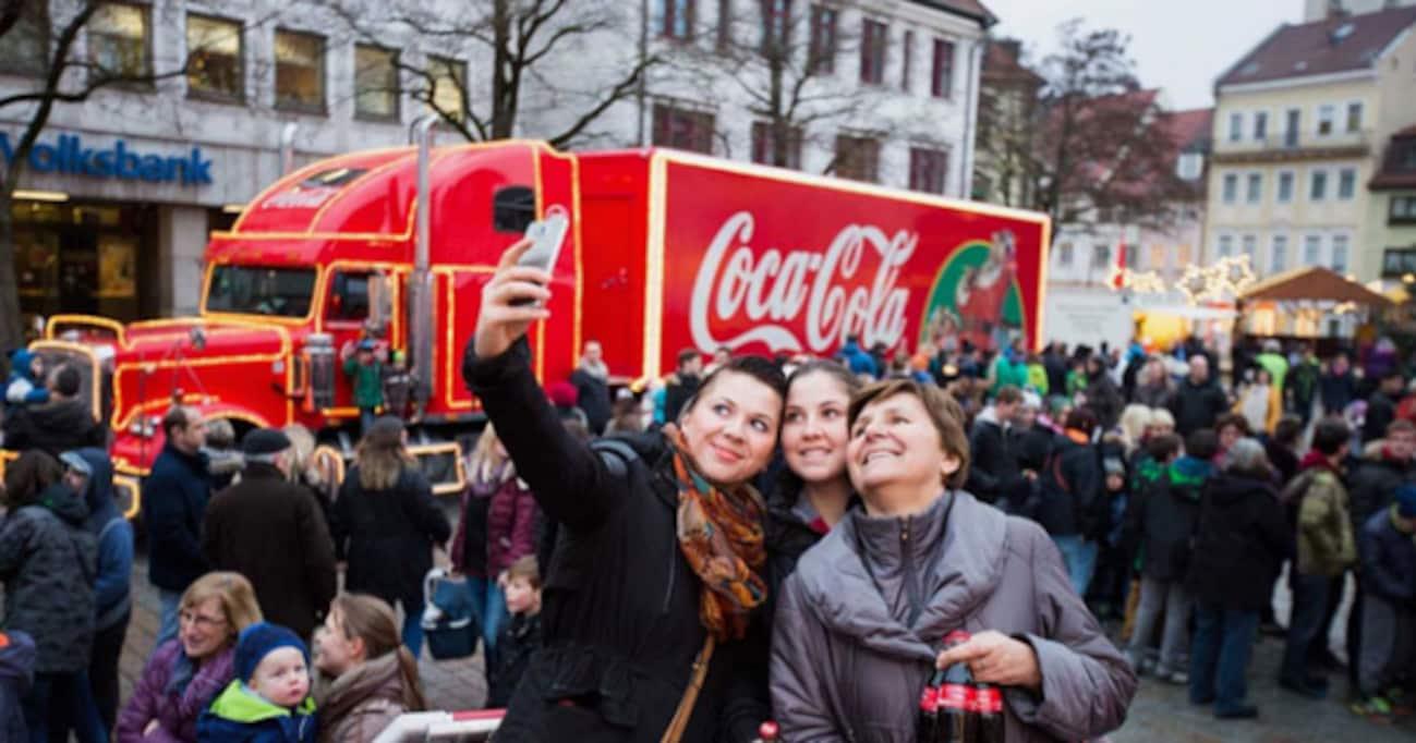 世界中で賛否両論のコカ・コーラの風物詩「クリスマス・キャラバン」、コカ・コーラの取る対策とは?