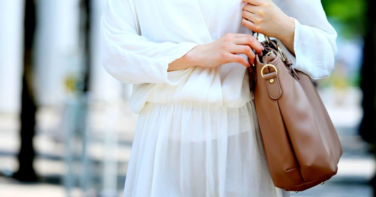 【働く女の「モテ道場」】「手荷物の多い女はモテない」説の真実は? カリスマ婚活アドバイザーのバッグの中身も公開