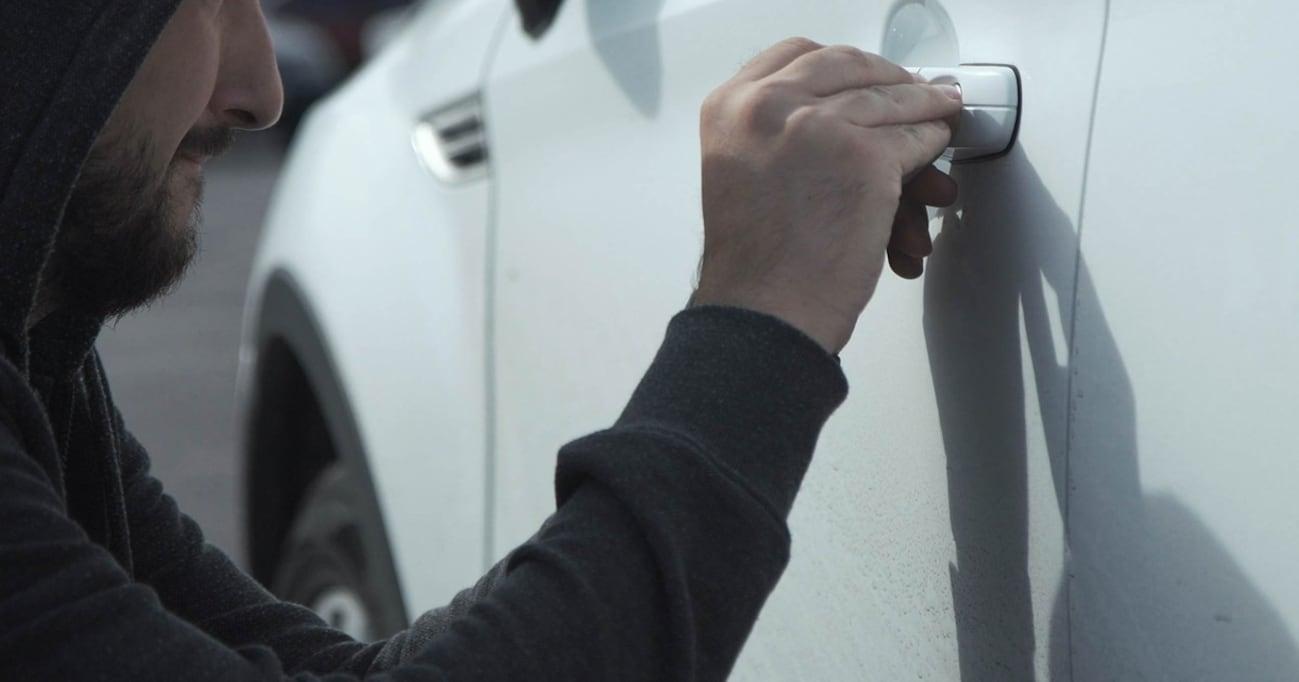 盗難台数ワースト1は「プリウス」、盗難率では断トツ「ランクル」。愛車を盗難から守る方法は意外にアナログかもしれない…