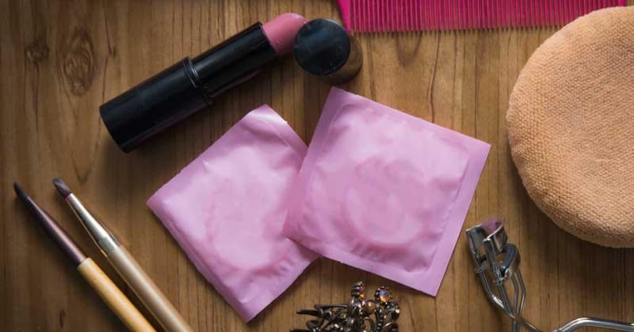 コンドームやピルなどの避妊具が無料のイギリス。なぜ日本の性教育は不十分なのか?
