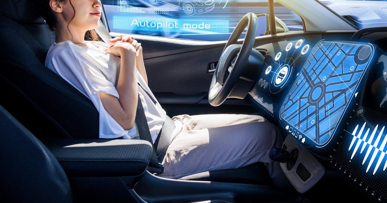 自動運転中の事故の責任はメーカーか、所有者か、それとも…?
