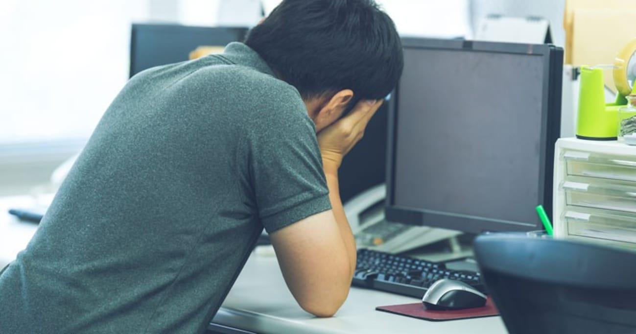 セクハラ、パワハラより職場に感染する「新人いじり」の対象者とは?  転職、休職、自殺を招く実態