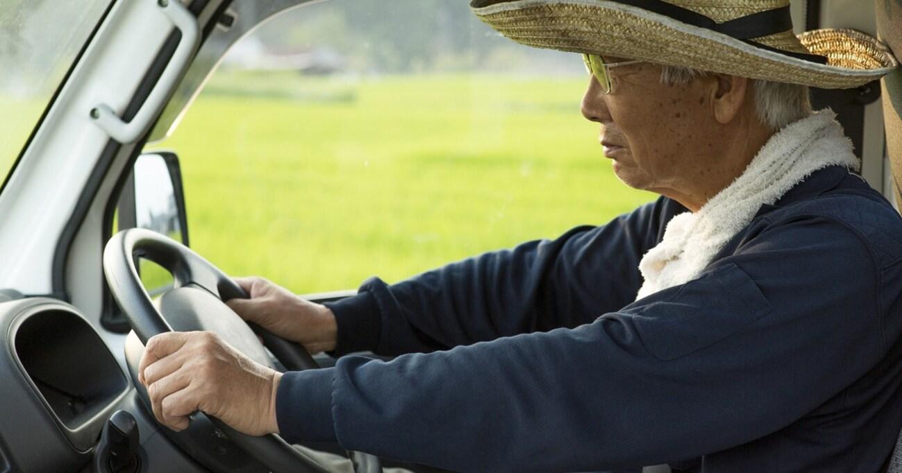 高齢者にとっての「クルマ」は若者の「スマホ」と同じ…放火まで発生した「運転免許返納問題」の根深さ