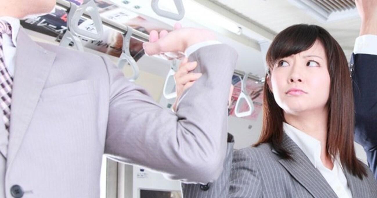 痴漢、歩きスマホ、迷惑マナー… 通勤中に遭遇するかもしれないトラブルへの対処法
