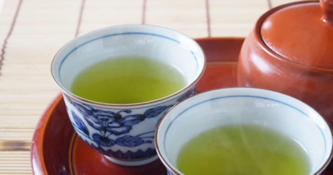 家でも職場でも試してみたい!【飲み物ちょい足しアレンジレシピ】緑茶とヤ○○トを混ぜたら新世界が見える