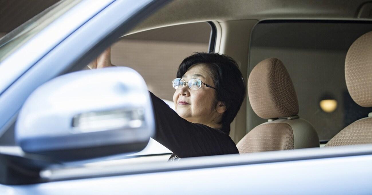 初代プリメーラによる高齢者ドライバー事故…愛車を手放さない彼らの心理と時代背景