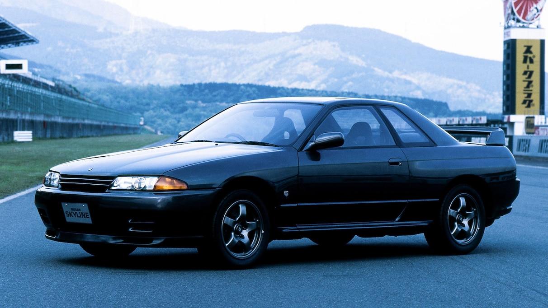 3代目・日産スカイラインGT-R。1990年代、日本中の若者が熱狂したあの名車…