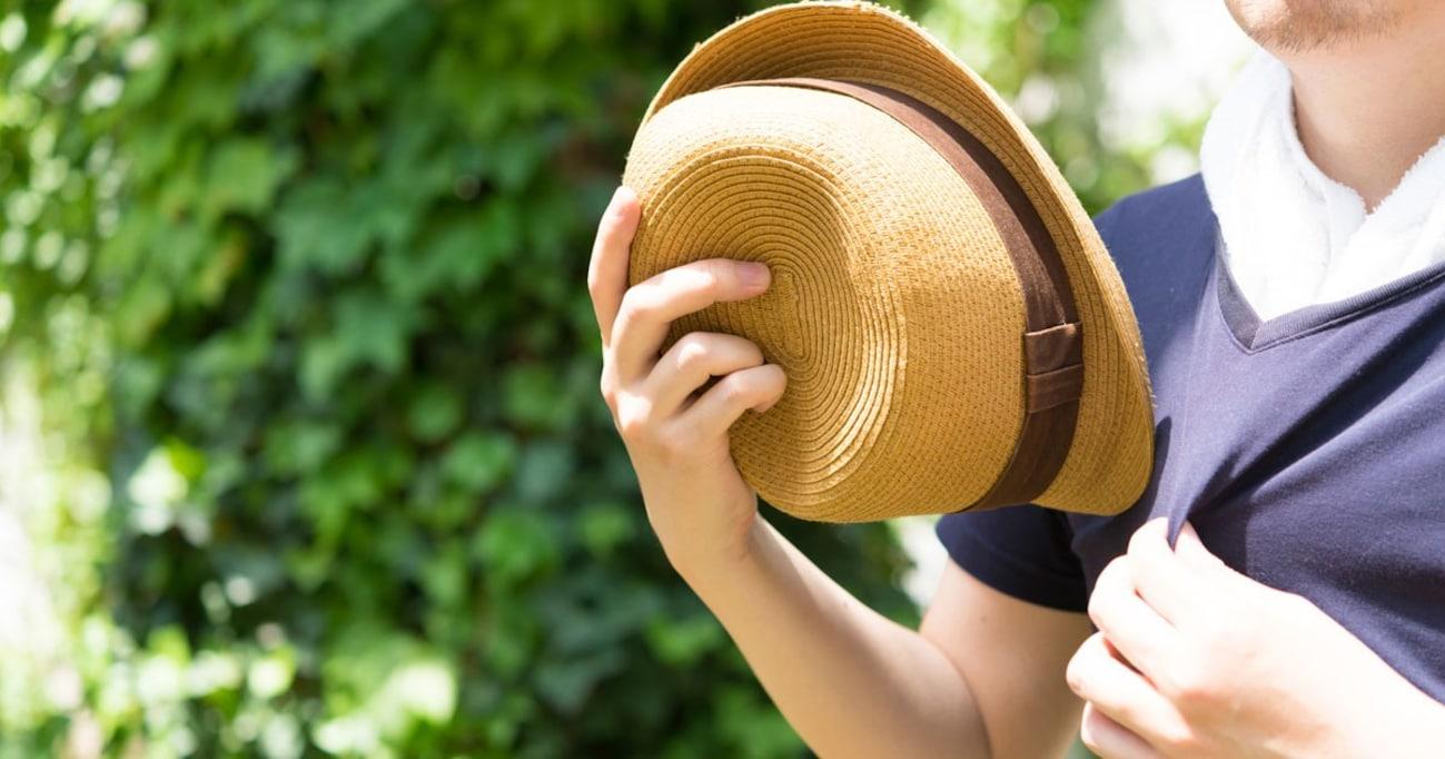 「日傘男子」より「帽子紳士」──なぜ環境省は「帽子」をクールビズとして勧めないのだろうか?