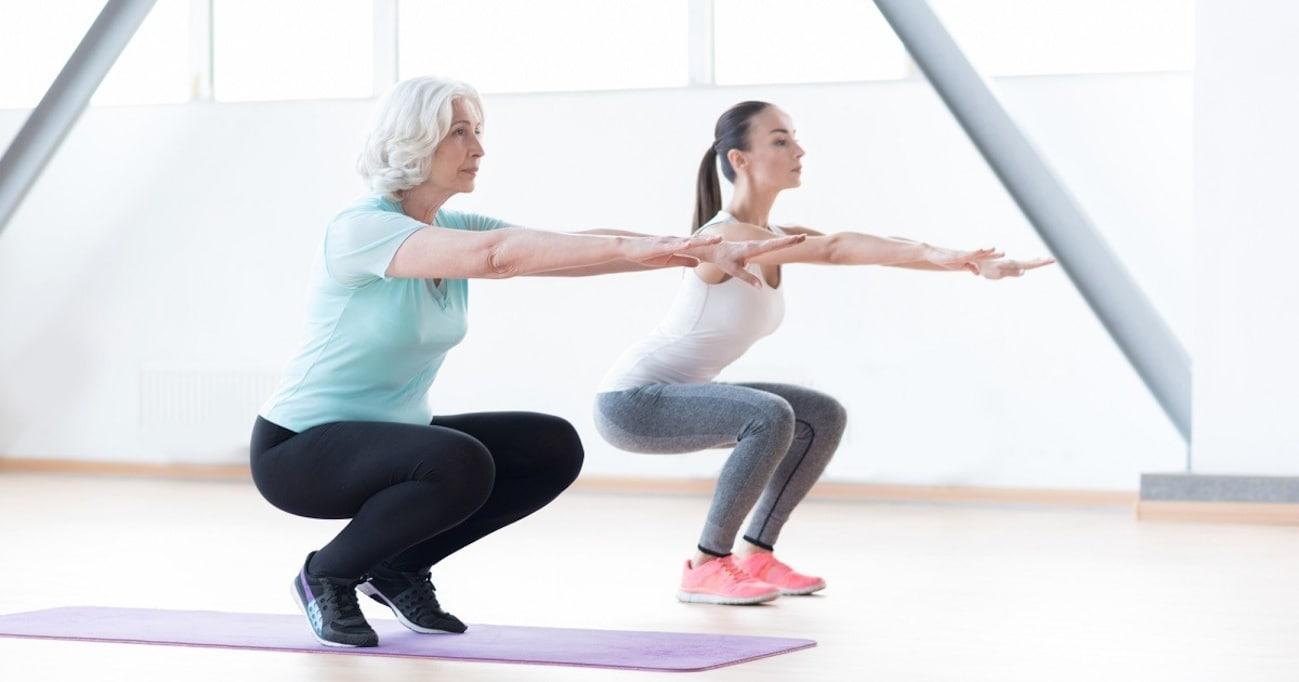 テレビで話題の「ゆるスクワット」、運動が苦手な人や高齢者でも筋トレ効果アリ! 尿もれ予防や骨づくりアップも!