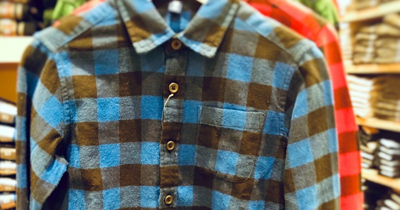 【ちょい足しモテ理論】おじさんが不用意に「ネルシャツ」を着るのはキケン! モテスタイルへの変換は足元への気配りにあった