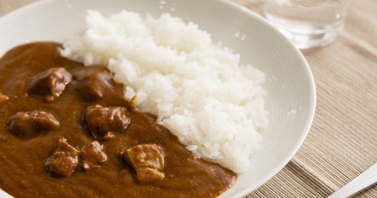 ガチ評価! 無印・カルディ・成城石井…有名スーパーのレトルトカレー12種を食べ比べ