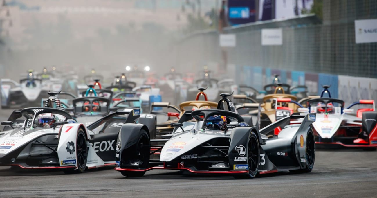 電気自動車レース「フォーミュラE」に日産が参戦する理由