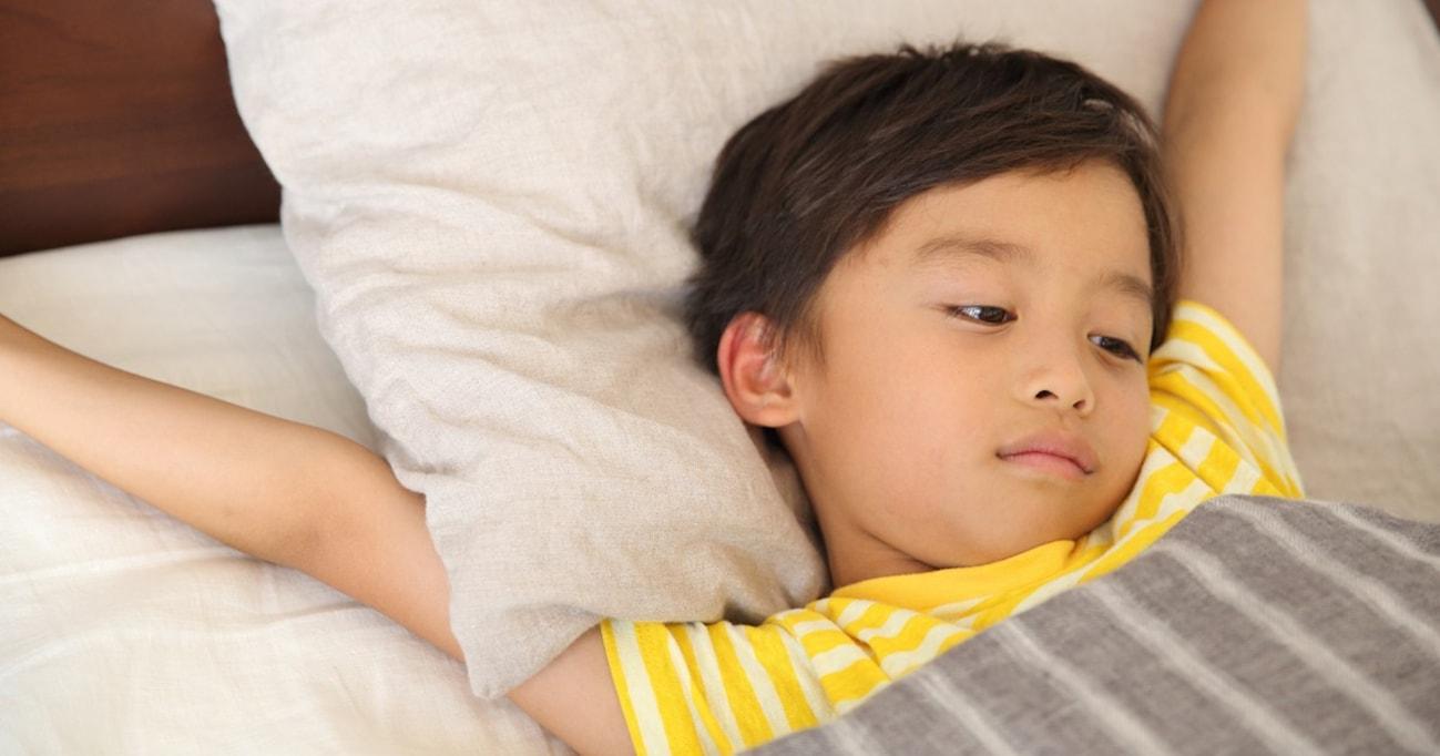 【SNSで話題】登校時刻を遅らせると成績アップ!? 子どもにとって本当に必要な睡眠とは?
