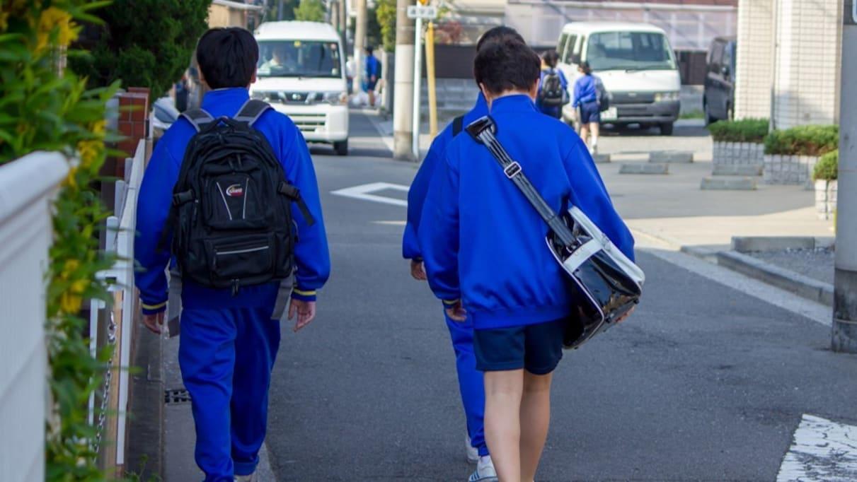 ジャージ登校禁止の学校でジャージを着て叱られた生徒 その言い分に同情の嵐「涙が出ました」「本当難しい」