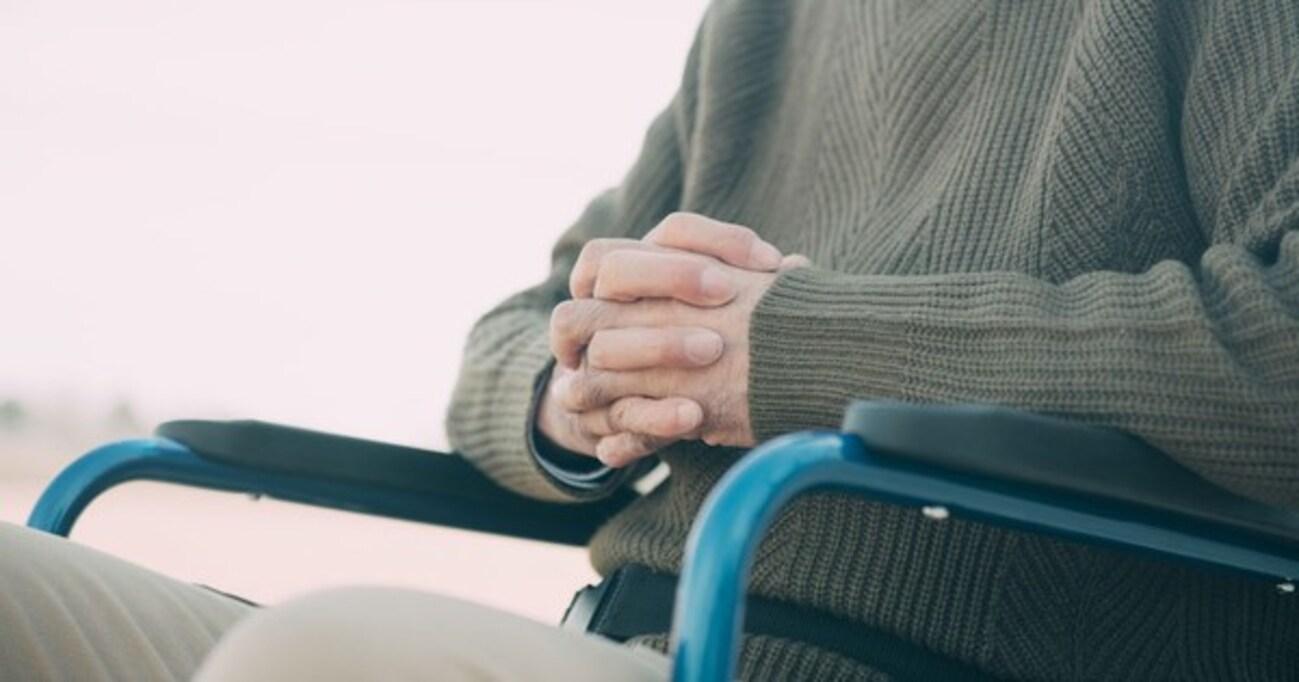 「歩けんなら乗るなよ」車椅子を使う人への心無い言葉に愕然「貧しい発想」「日本をダメにしてる」