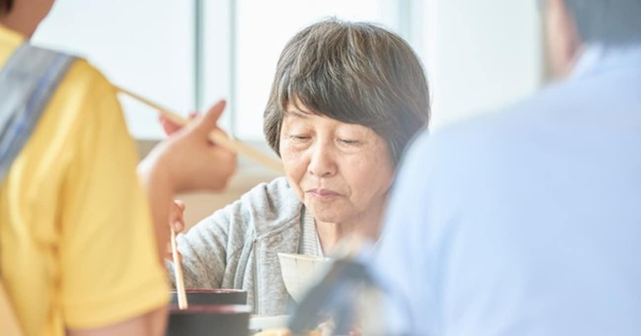 「マズかった!ガマンして食べた」が口癖のお年寄り… → その口癖の衝撃のワケとは? 「逆効果」「わけわからない理屈」と話題に