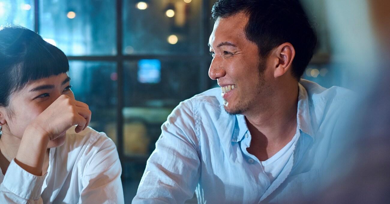 「やっとお酒を飲む仲になったが、どう誘えばよいのか分からない…」自分からアプローチができない男女の心理とは