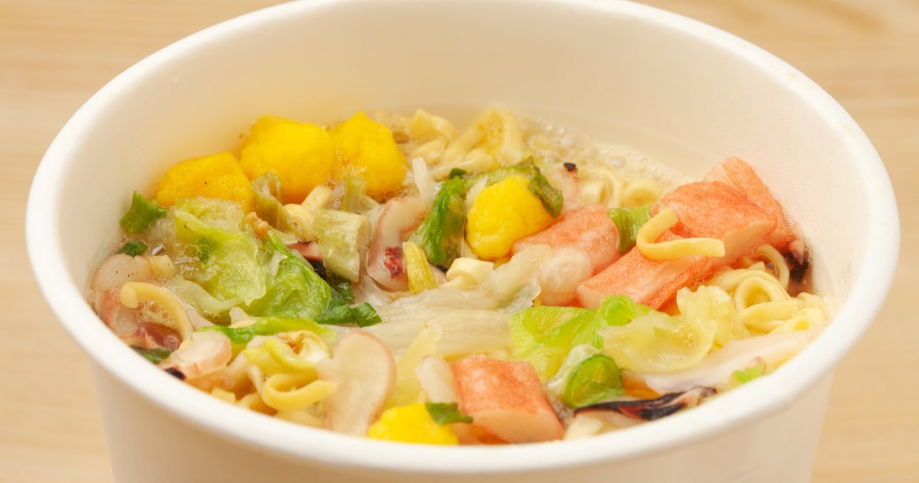 """「スープの味によって麺が違う!?」意外と知らない""""カップヌードル""""トリビア3選"""