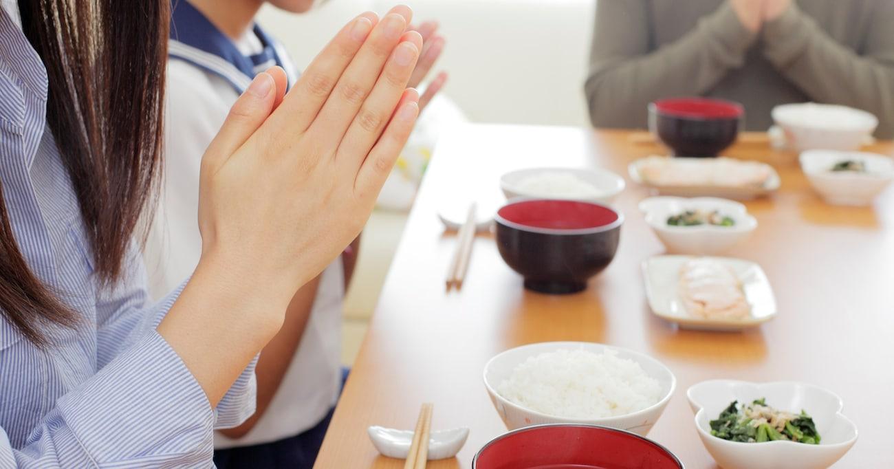 「ダイエットする!今日から白米食べない!」中3娘が宣言するが…その後の展開に思わずほっこりさせられる「誘惑に負けちゃう」「やっぱり米はうまい」