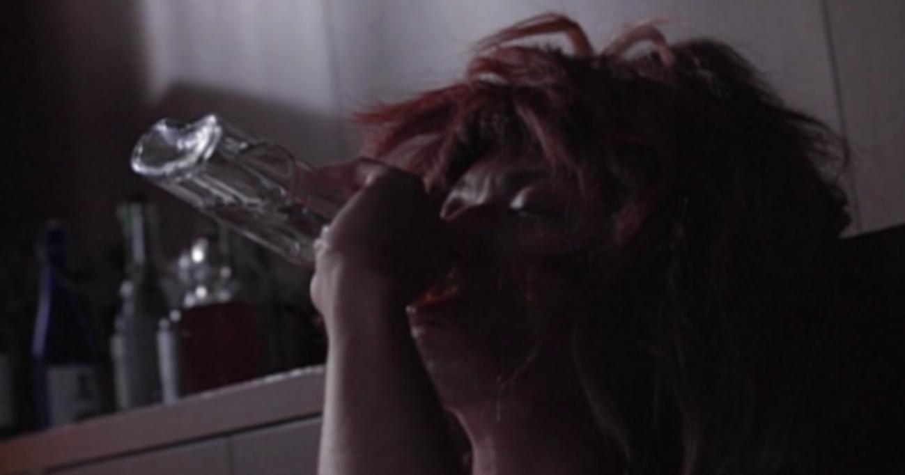 本当に恐いアルコール依存症…ロックバンドZIGGYのボーカルの壮絶な苦しみとは?