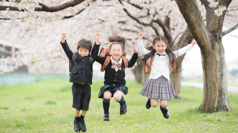 """【盲点】時空がゆがんでる!? 入学式と卒業式の """"桜"""" のイメージに関する疑問が話題に"""