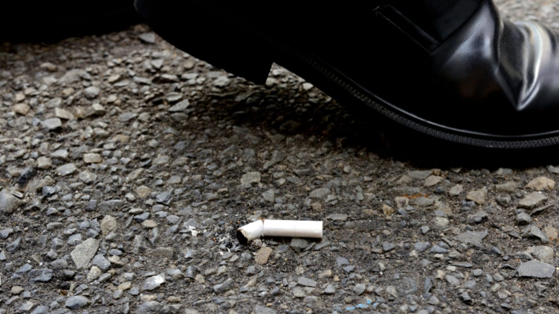 まるで2時間ドラマ!お爺さんから「道路にタバコを捨てるな」というメモを受け取った事を発端に…