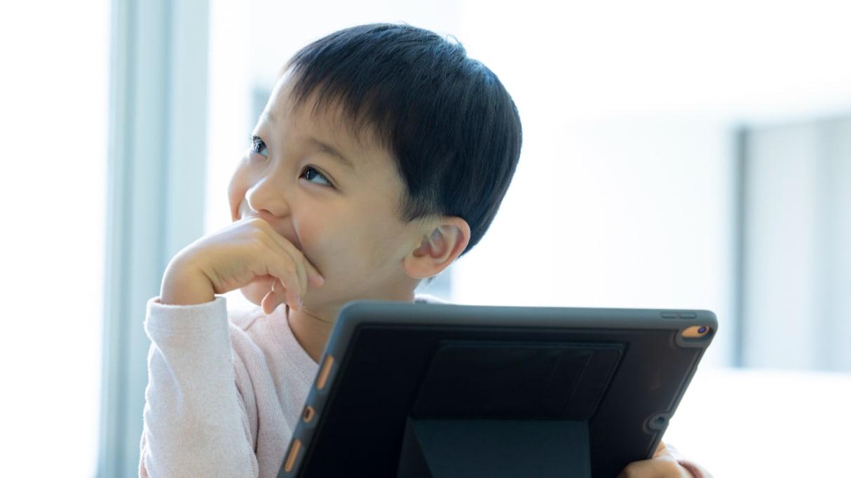 勉強=ゲーム!?息子が「ゲームしてる」というので見てみると…その様子に時代の変化を感じる