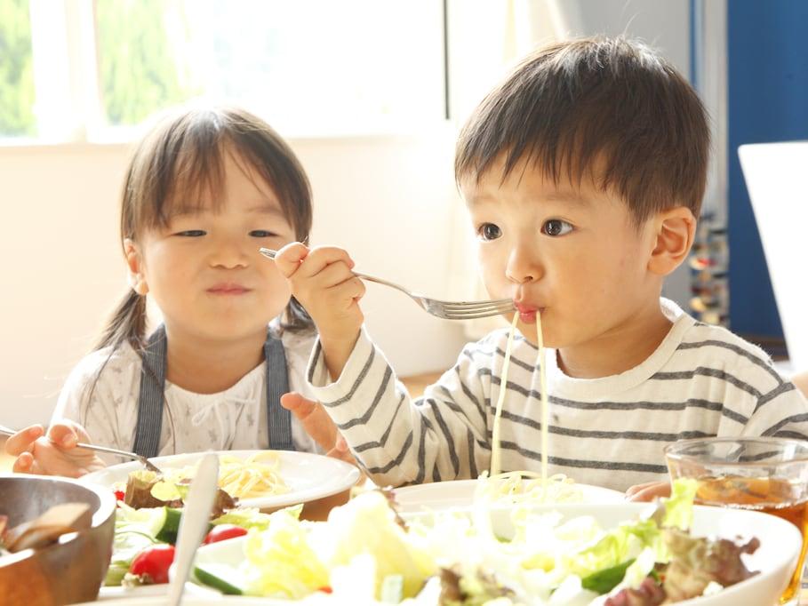 貧困のために「夏休みに痩せる子ども」が日本にいるという現実
