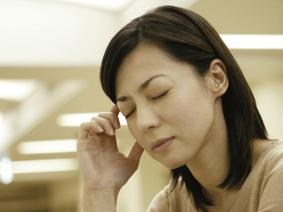 医師が教える「偏頭痛の人がしてはいけない髪型、痛くない髪型」